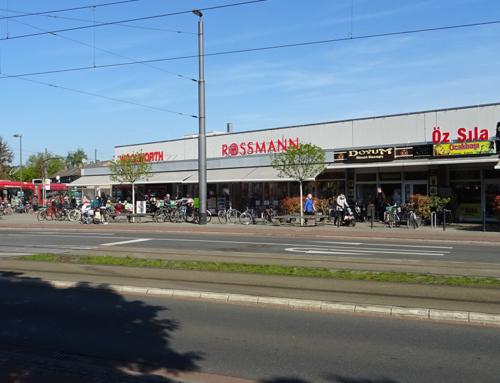 Einkaufscenter Walliser Straße – Bremen